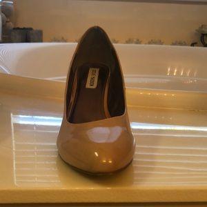 Steve Madden nude heels size 10